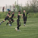 Мъжкият ни отбор по футбол сътвори уникален обрат от 0:3 до 5:3 само за полувреме! Съкратихме изоставането си от лидерите ФК Червени войводи (Сливен) на 1 точка !